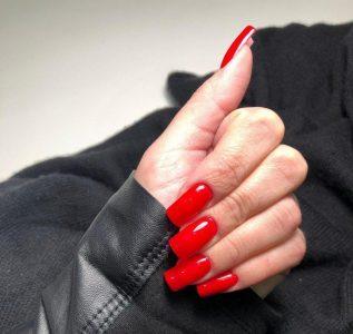Decorazione unghie: i trend da seguire per una nail art alla moda